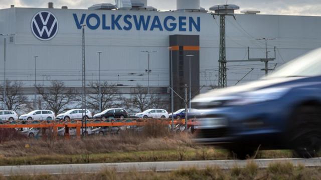 Нагла кражба: перничанин открадна три Голфа от завода на VW