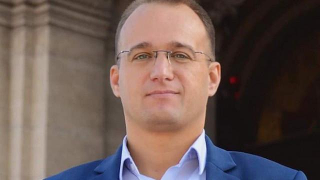 Симеон Славчев: Мутрите викат дръжте мутрите, грозно е да откраднеш лозунга от протестите