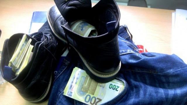 Митничарите спипаха 166 000 недекларирани евро на ГКПП Дунав мост 2