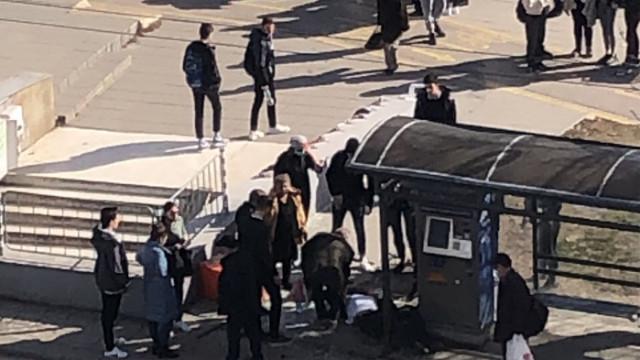 Блъснаха човек на сп. Явор във Варна, шофьорът свалил номерата на колата и избягал