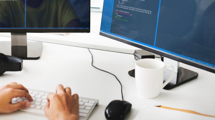 Експерт: 1500 лева е стартовата заплата за програмисти. Тя стига 6000 лева след няколко години стаж