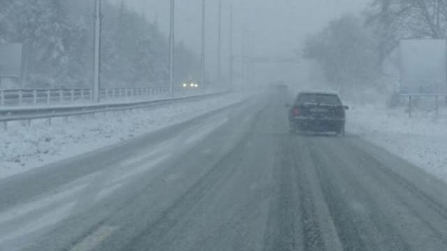 АПИ: Всички пътища са проходими при зимни условия, шофьорите да са подготвени за зимната обстановка