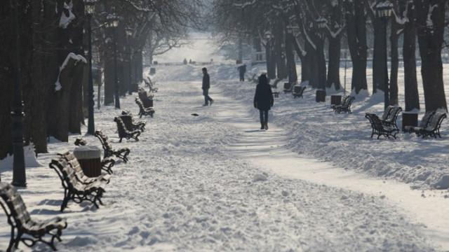В 19 области на страната температурите остават ниски