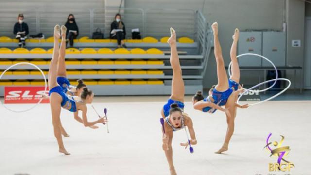 """Ансамбълът показа новото си съчетание с обръчи и бухалки по музика на балета """"Спартак"""""""