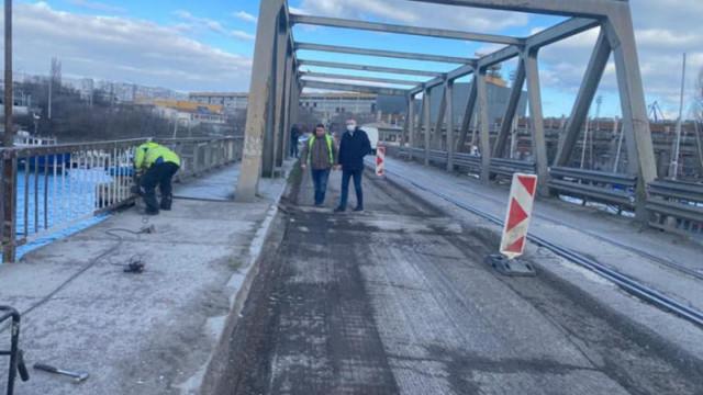 Започна ремонт на стария мост на Островна зона във Варна