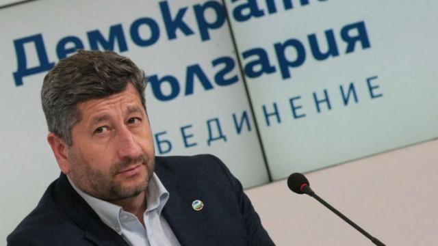 """""""Незаобиколимите фактори"""" се множат: И Христо Иванов като Цветанов"""