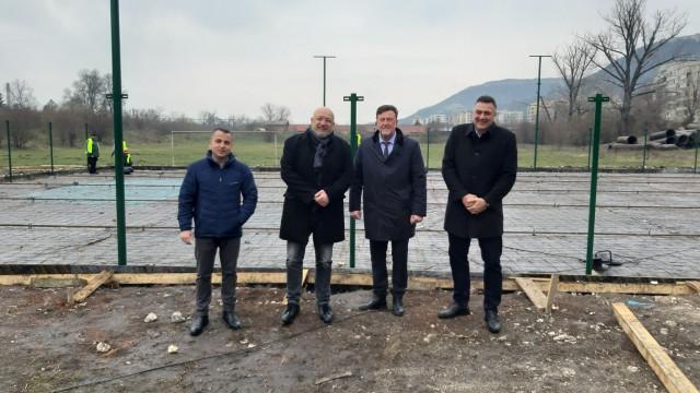 Министър Красен Кралев инспектира спортни обекти във Варненска област