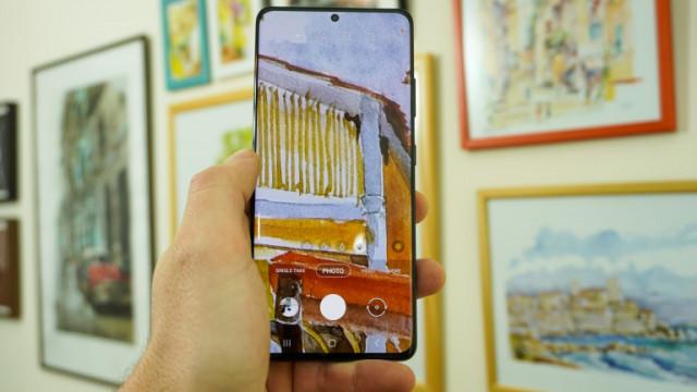 Samsung Galaxy S12 и кои екстри ще преминат към по-старите модели смартфони