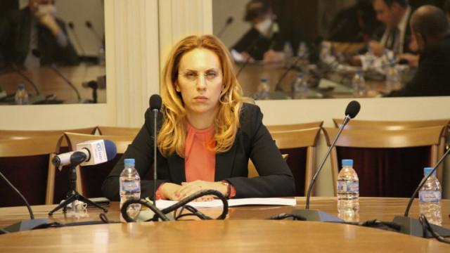 Николова очаква рестарт на туризма с масовата ваксинация