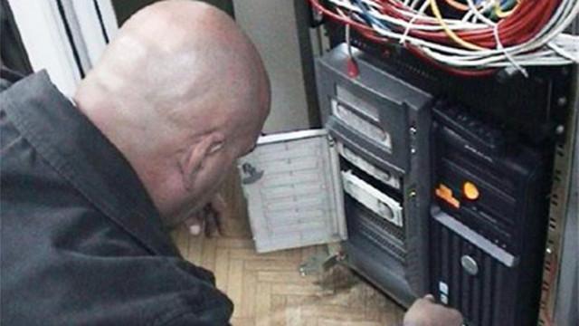 """Гешев спира сървъри на """"Замунда"""", които се намират в САЩ"""