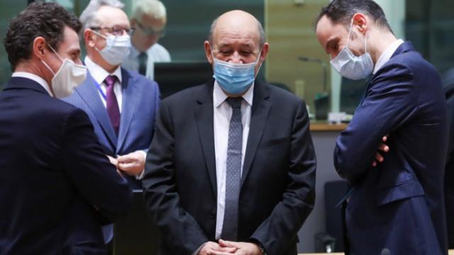 Външните министри на ЕС подкрепят нови санкции срещу Русия