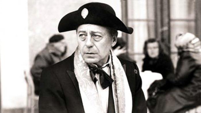 Тодор Колев (1939-2013) дебютира и в политиката, но спешно се върна