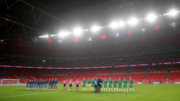 Феновете в Англия се завръщат по стадионите на 17 май