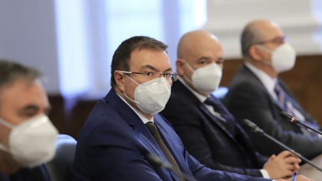 Ангелов с остро изказване към производителя на АстраЗенека: Нямаме нужда от учтивости, а от ваксини