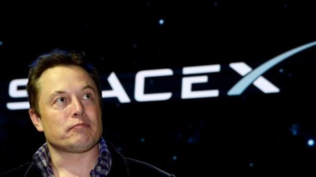 SpaceX: Следващият полет в космоса ще е с хора на борда