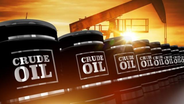 Петролът завършва четвърти пореден месец на поскъпване
