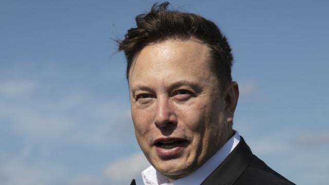 Илон Мъск, спадът на акциите на Tesla и как загуби 15 милиарда за един ден
