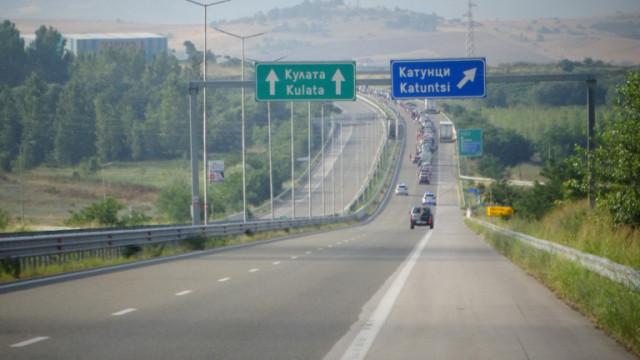 Искаме обяснение от Гърция за бързите тестове за тираджите по границата