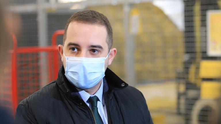 Няма хаос с ваксините, а много добра организация, увери Богдан Кирилов