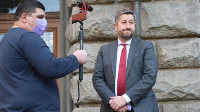 Стоян Тончев към Иво Мирчев: Стига си звънял да се сваля публикацията за фалшивата конференция на ДБ