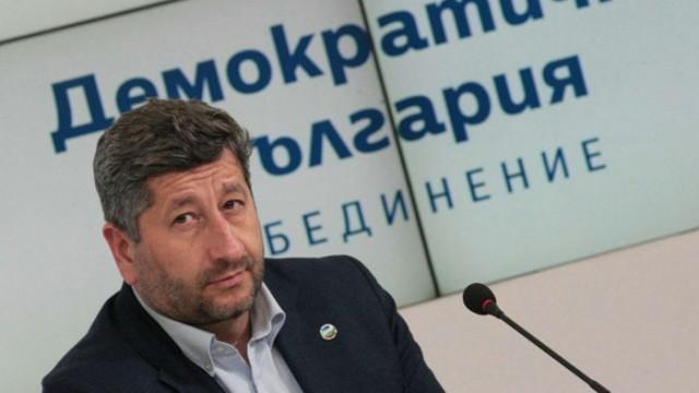 Ташева: Няколко известия за милионите, които се наливат в личните сметки на плагиата Христо Иванов