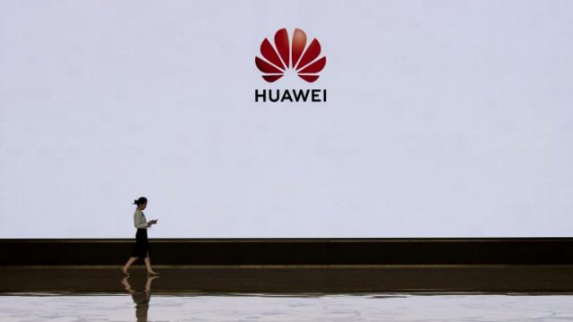 Huawei загуби първа позиция и в роден Китай