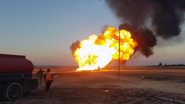 Загинали при ракетни удари на Русия и Асад срещу петролни рафинерии в Сирия