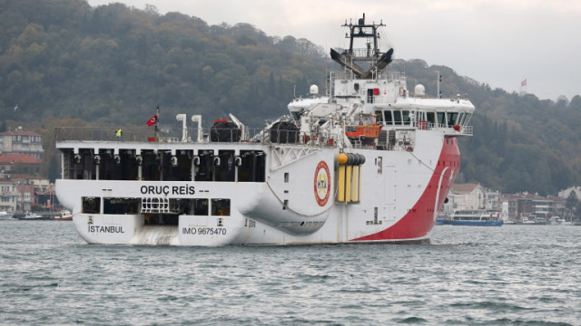 Военачалници на Турция наблюдават на място военните учения в Егейско море