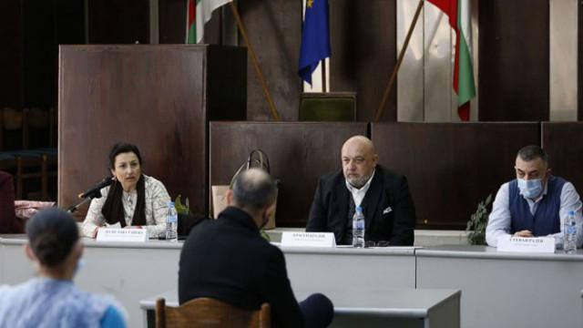 Министър Кралев проведе работна среща със спортните клубове в Сливен