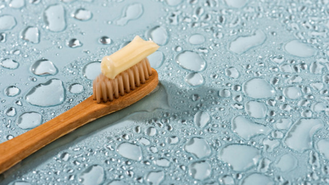 Мокри петна по дървото, неприятни миризми и защо още да държим паста за зъби и в кухнята