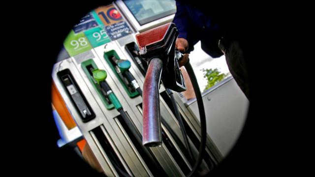 Цената на петрола се качи над 30 долара за барел за пръв път от месеци