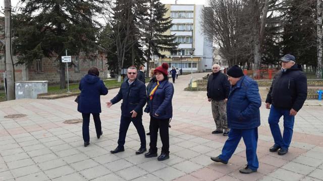 Кандидатът за депутат на коалицията ГЕРБ-СДС Желез Железов посети общините Вълчи дол и Девня