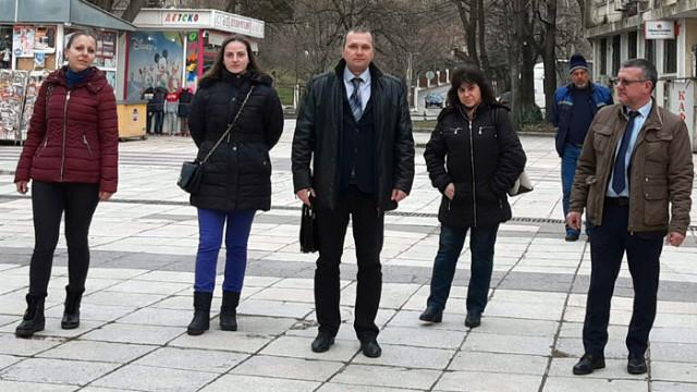 Кандидатът за народен представител на ГЕРБ-СДС  Желез Железов се срещна с граждани в община Провадия