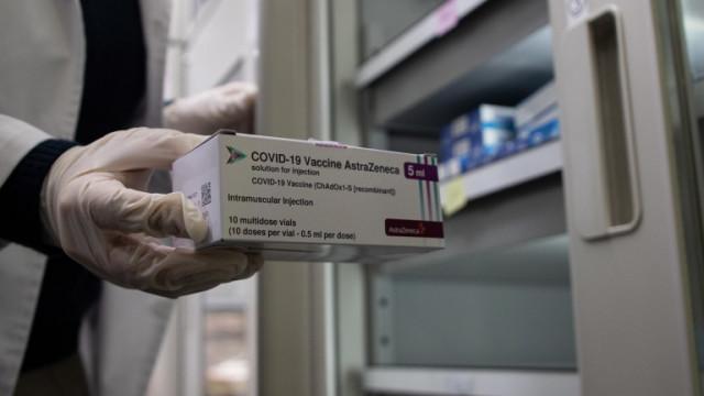 Трима здравни работници в болница в Норвегия след имунизиране с AstraZeneca