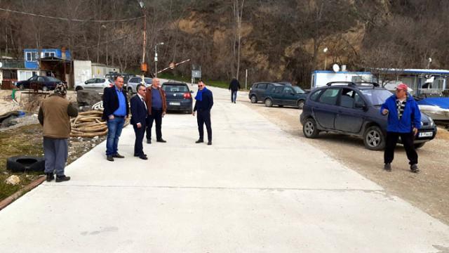 Кандидатът на коалицията ГЕРБ-СДС Желез Железов на посещение в община Бяла