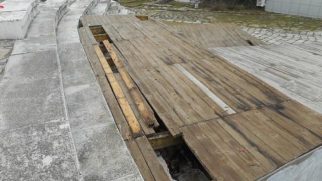 Вандали изпотрошиха част от Античния форум в Стара Загора