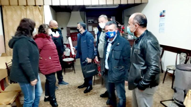 Кандидатът за народен представител от ГЕРБ-СДС Желез Железов посети с.