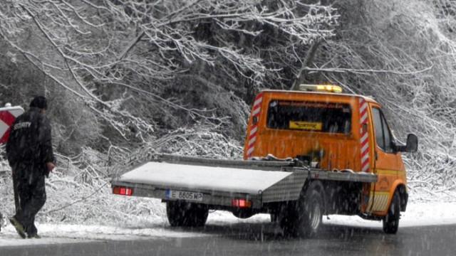 Автобус и ТИР се блъснаха във великотърновско, трима загинаха