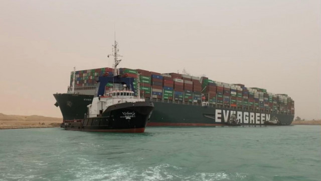 Кашата в световната търговия бе огромна и преди закъсалия кораб