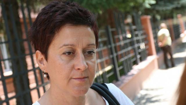 И Антоанета Цонева разпространи фалшивата новина, че ГЕРБ раздават храна преди изборите