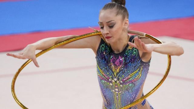 Боряна Калейн спечели злато на обръч и бронз на топка на Световната купа в София