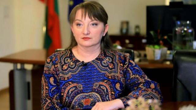 Сачева: Поредният вуду ритуал пред къщата на Борисов е отвратителен акт на агресия