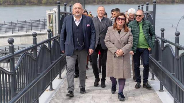 Красен Кралев и кандидати от коалицията ГЕРБ-СДС закриха предизборната кампания в Русе