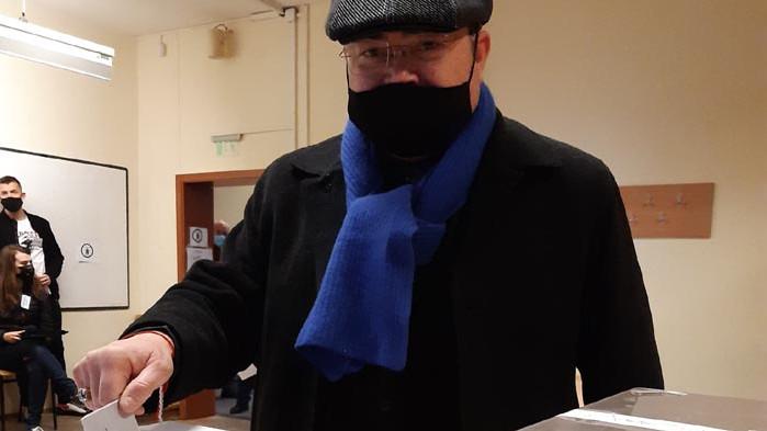 Областният секретар на СДС-Варна Юрий Колев даде своя глас тази