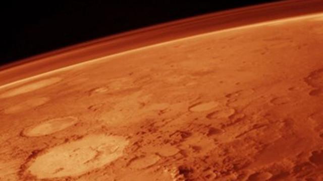 """Мини-хеликоптерът """"Инджинюити"""" оцеля при първата си самостоятелна нощ на Марс"""