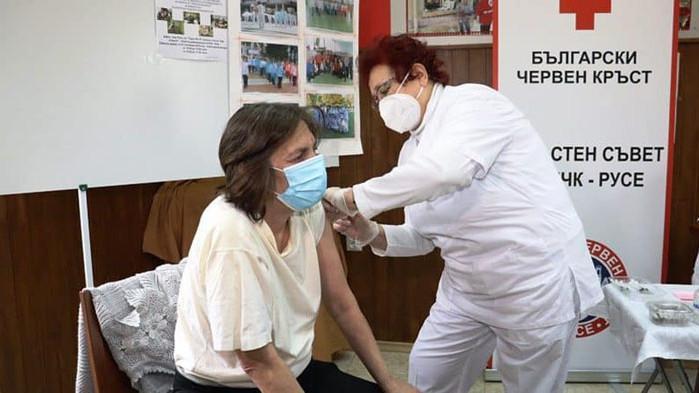 Започна имунизацията срещу COVID-19 на бездомните и скитащи лица в област Русе