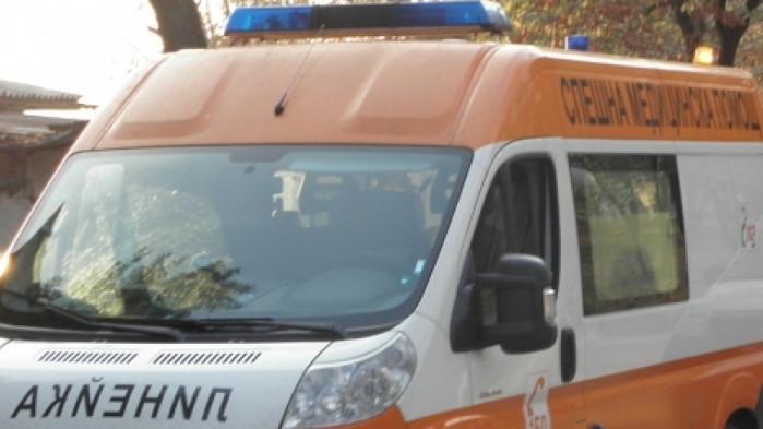 Четирима в болница след челна катастрофа в Добричко