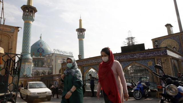 С 10-дневен локдаун Иран посреща четвъртата вълна на COVID-19