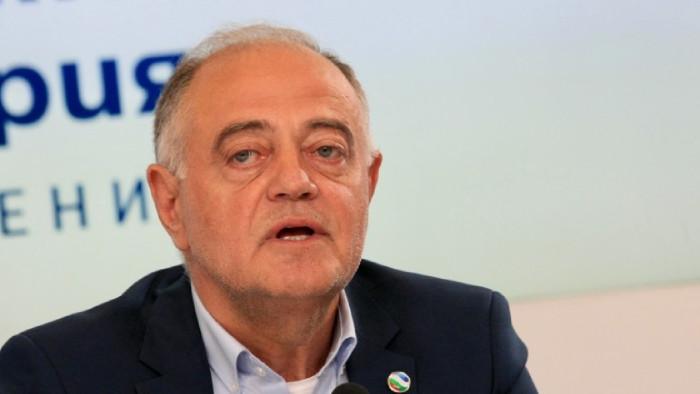 """Министрите да напуснат НС, иначе рискуваме конституционна криза """"В момента"""