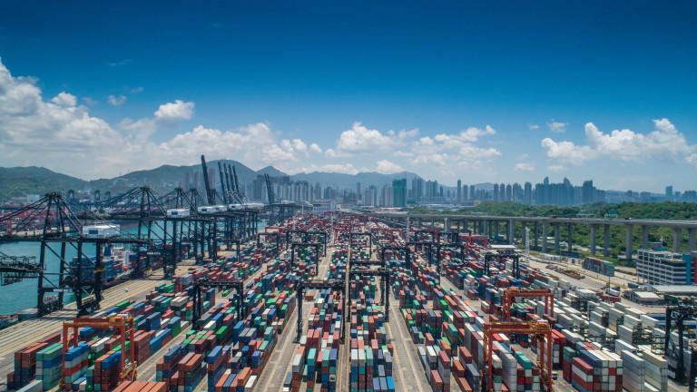Търговските отношения между САЩ и Европейския съюз (ЕС) са тема,